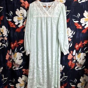 Oscar De La Renta Long Sleeve Green Nightgown S